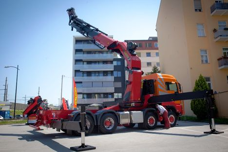 Palfinger has launched the 125 tonne/metre PK 165.002 TEC 7 for 32 tonne chassis
